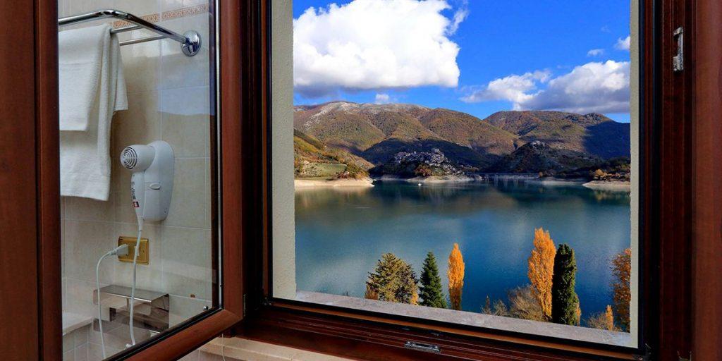 Vista da sogno Camere Turano Resort Colle di Tora RI